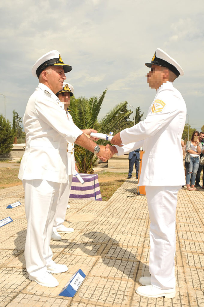 http://www.hellenicnavy.gr/media/k2/galleries/8392/NKN_6296.jpg