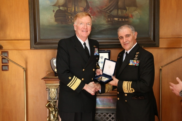Commander, 6th Fleet of the United States Navy, Official Call to Greece