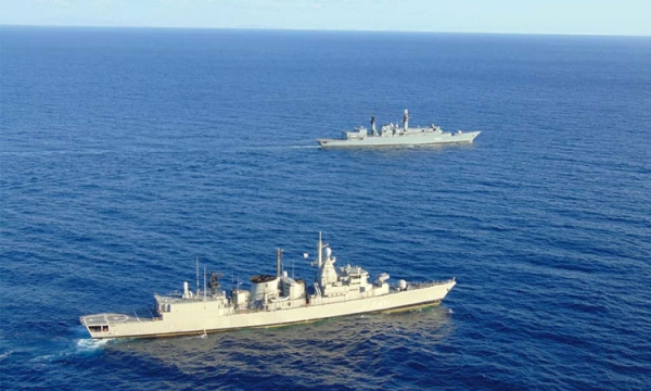 Passing Exercise of the Hellenic Navy Units with SNMG2