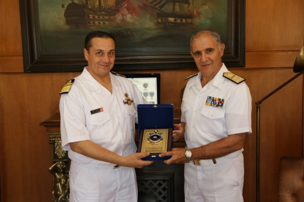The Chief of the Tunisian Navy, pays an official visit to HNGS HQ'S